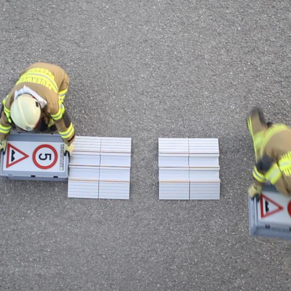 Aufstellen der Schlauchbrücken